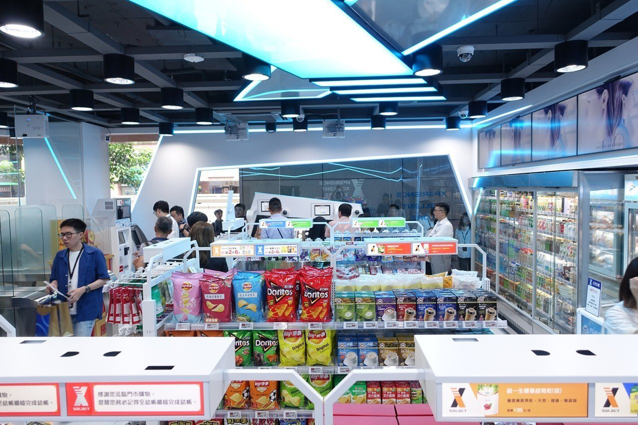 X-STORE 2號店為首間24小時不打烊無人商店。記者沈佩臻/攝影