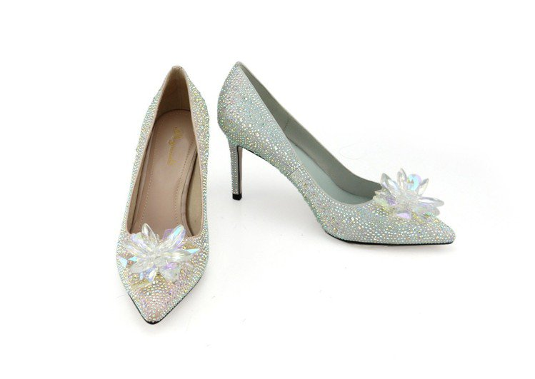 SOGO復興館Bo Derek璀璨花朵鑽飾婚鞋原價5,980元,會員價3,980...