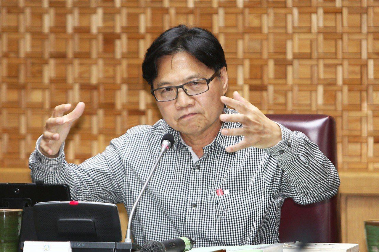 台大校長遴選的拔管僵局,教育部長葉俊榮的態度備受矚目。 圖/聯合報系資料照片