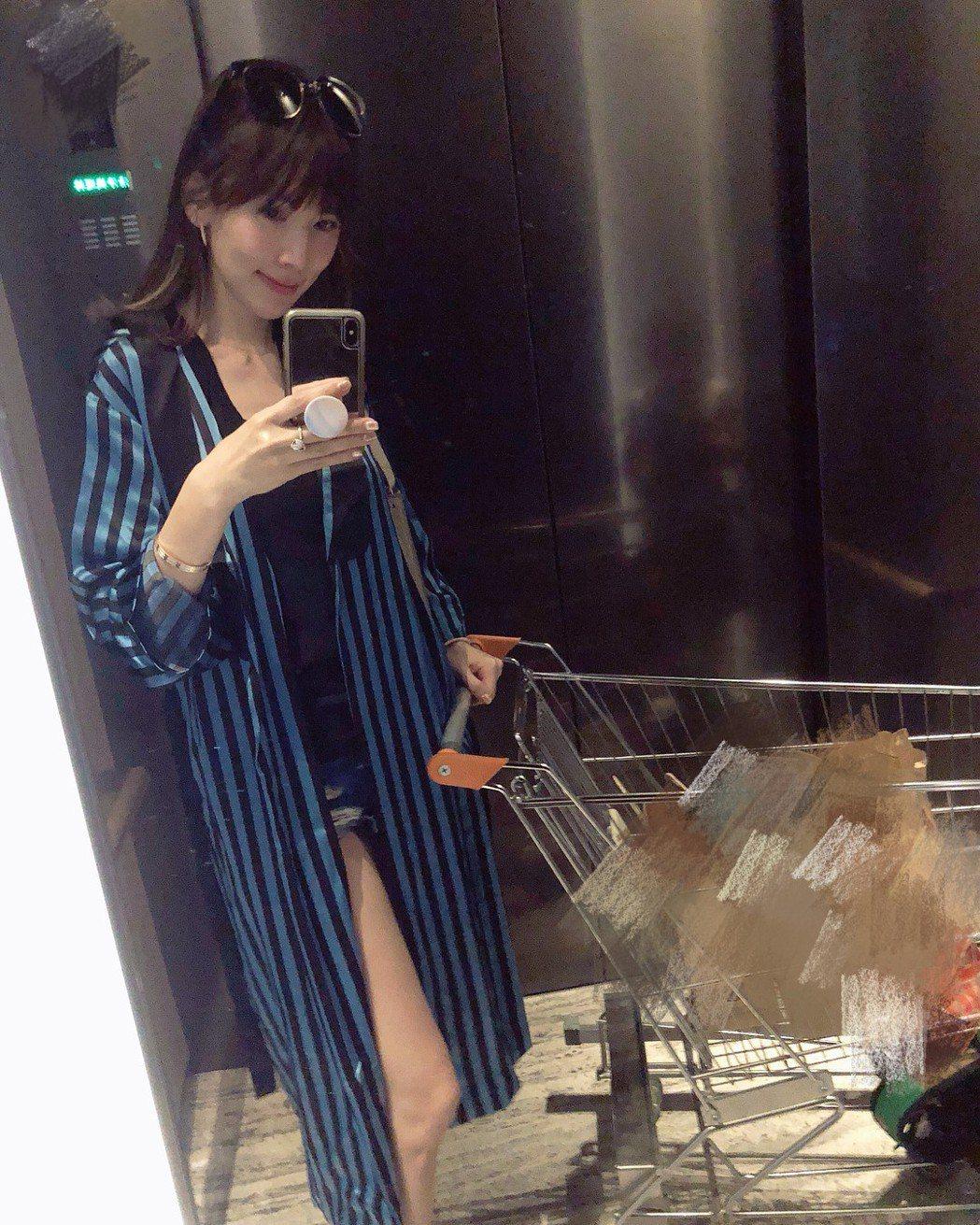 林志穎的老婆陳若儀分享穿搭照。 圖/擷自陳若儀IG