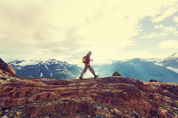 不要只選簡單的路走,不要只挑輕鬆的事做,最好走的路就是下坡路不是嗎? 圖/ing...