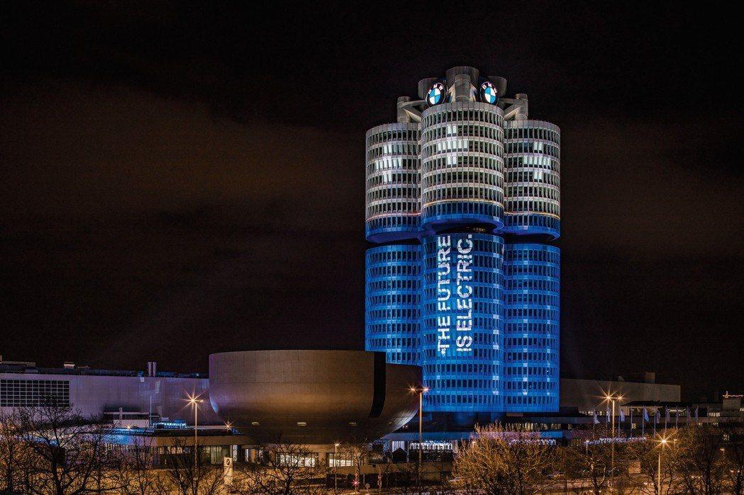 BMW集團的電動車型,在今年上半年已突破60萬輛銷售成績。 摘自BMW