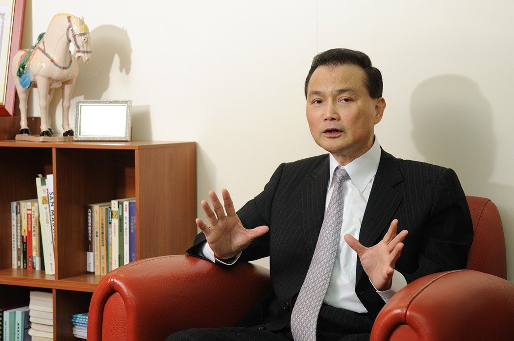 新第來亨建設集團董事長許清芳表示,運用一條龍經營模式,嚴格把關品質與價格,創造總...