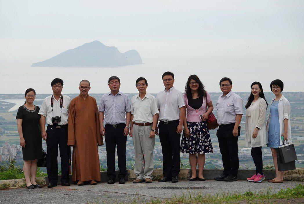 上海交通大學副校長張安勝(左四)訪佛大洽談多項交流合作。 圖/佛光大學提供