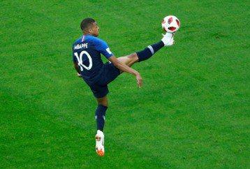 世界盃轉播戰:領了黃牌的有線電視何時要被踢下場?