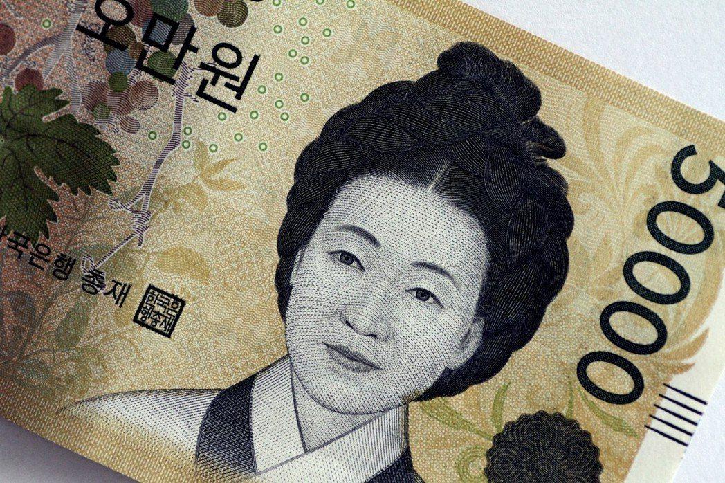 看似眾人皆可受惠的美好數字背後,勞資雙方都存在高度不滿;而南韓經濟,無論現況與前...