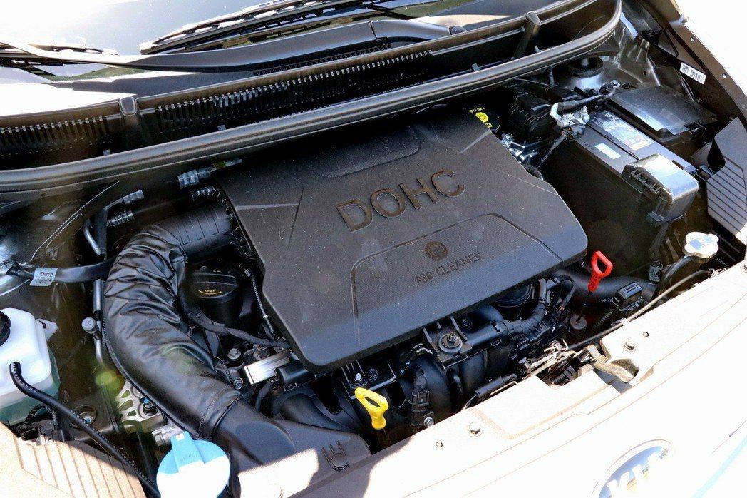 動力搭載1.25 DOHC Dual-CVVT引擎。 記者陳威任/攝影