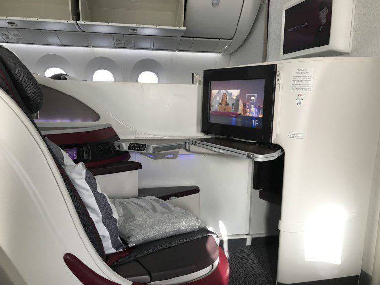 大家看看,同是Boeing 787機型的卡達航空商務艙多麼的寬敞! 圖文來自於:...