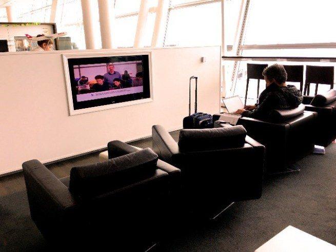 瑞士航空貴賓室的沙發區 圖文來自於:TripPlus