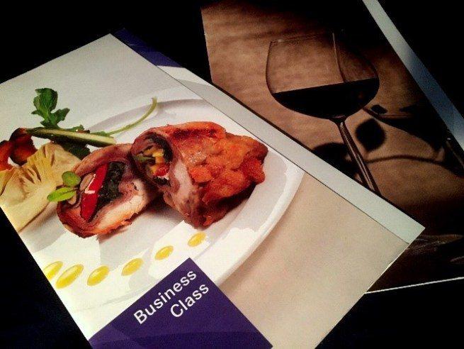 商務艙菜單及酒單封面 圖文來自於:TripPlus