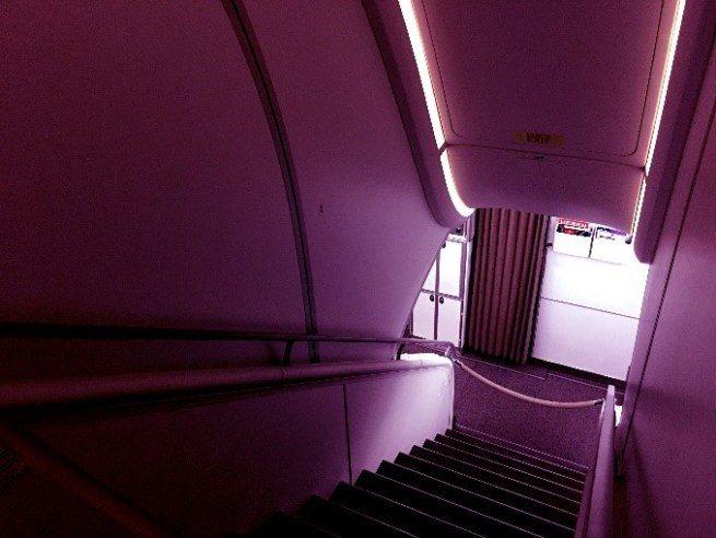 商務艙位於上層前段,頭等艙位於下層前段 圖文來自於:TripPlus