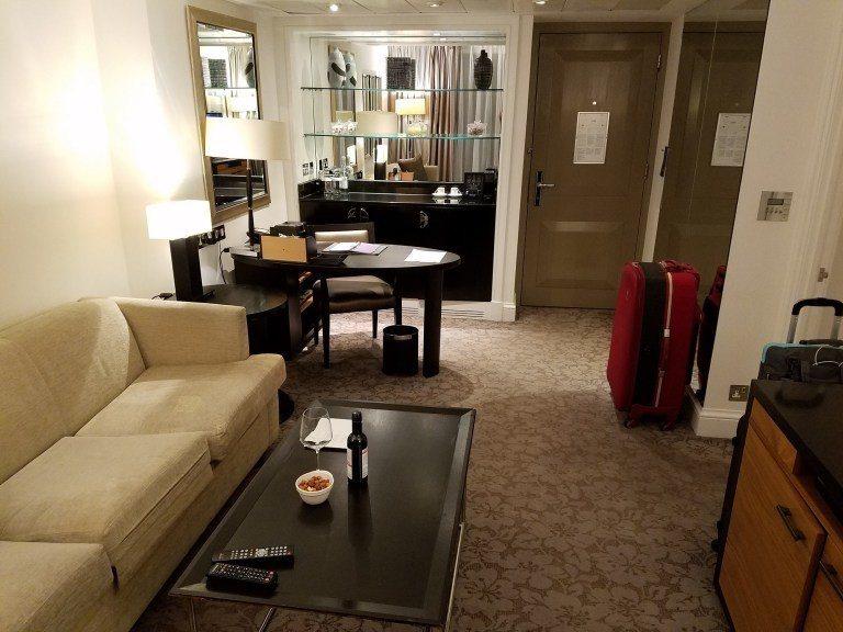 倫敦凱悅酒店的套房客廳 圖文來自於:TripPlus ※ 提醒您:禁止酒駕...