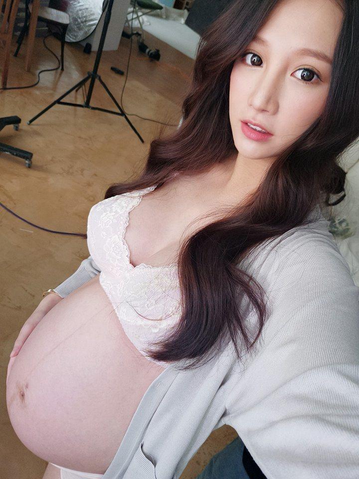 林采緹Po出自己的黃金初乳。圖/摘自臉書