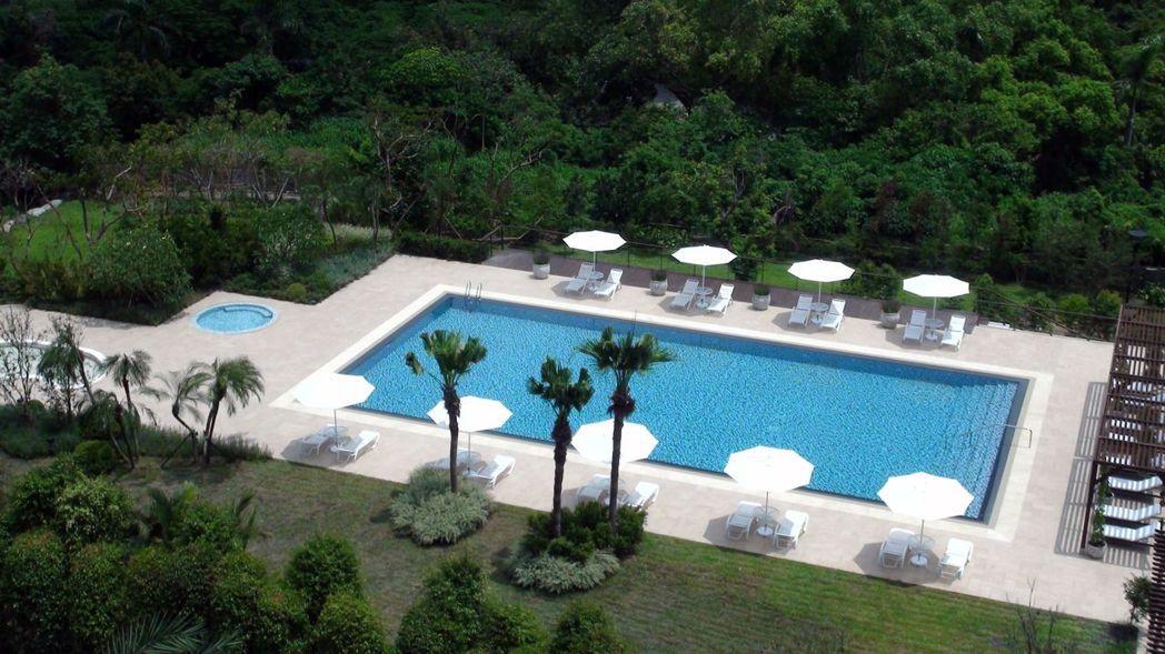 老字號的高雄圓山飯店引入生活藝術家創意,變身為莊園度假飯店。記者王昭月/攝影