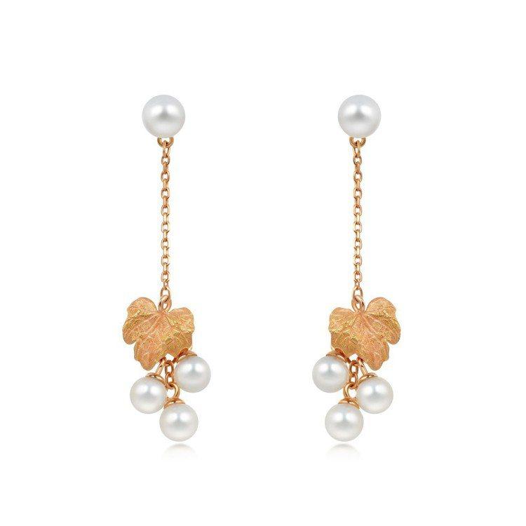 點睛品Journey「遇見」系列18K玫瑰金葡萄葉串珍珠耳環,10,400元。圖...