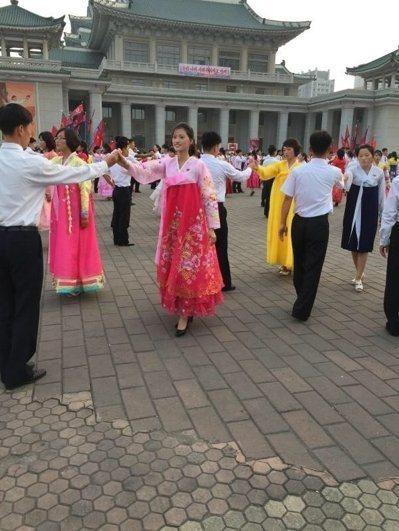 金日成廣場是北韓人民舉辦活動的重要場地。 圖/朝鮮民族遺產國際旅行社提供