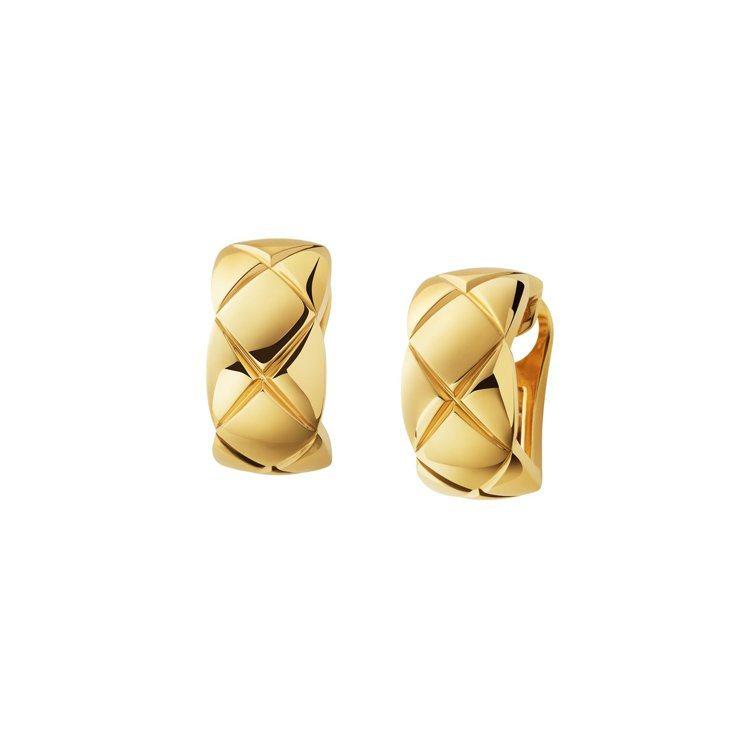 香奈兒 COCO CRUSH 18K黃金耳環,99,000元。圖/香奈兒提供