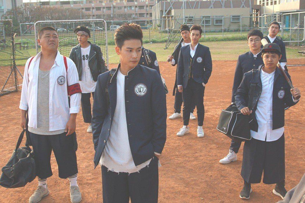 謝祖武在片中面對難以管教的棒球隊學生。圖/奧瑪優勢提供
