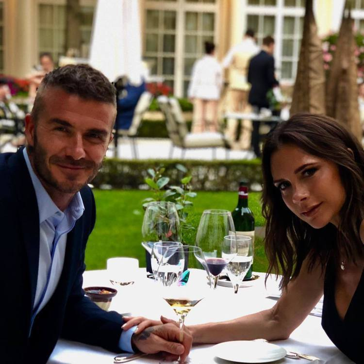 Victoria Beckham宣布移師倫敦發表新作,話題超高的一家將為倫敦時裝...