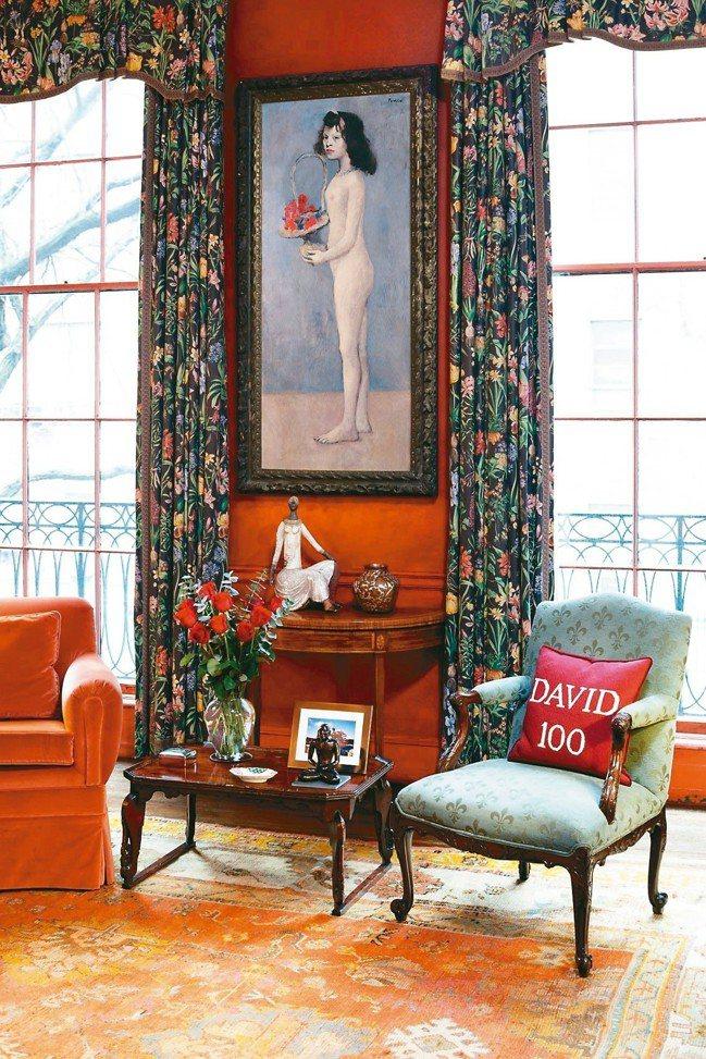 大衛洛克菲勒夫妻住家牆上掛著畢卡索「拿著花籃的女孩」。 圖/佳士得提供