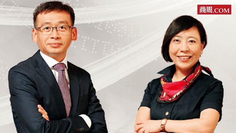 台灣大車隊總經理李瓊淑(右)、政大商學院副院長、政大EMBA執行長邱奕嘉(左)。...