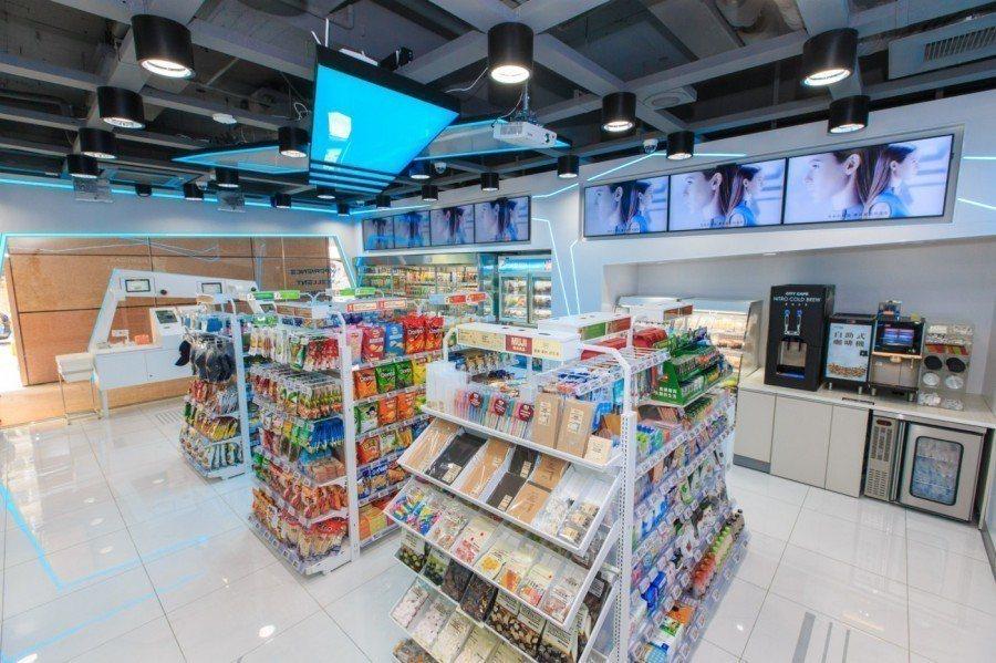X-STORE 同時設有未來商店自助區、門市服務區,統一超商。 圖/經理人提...