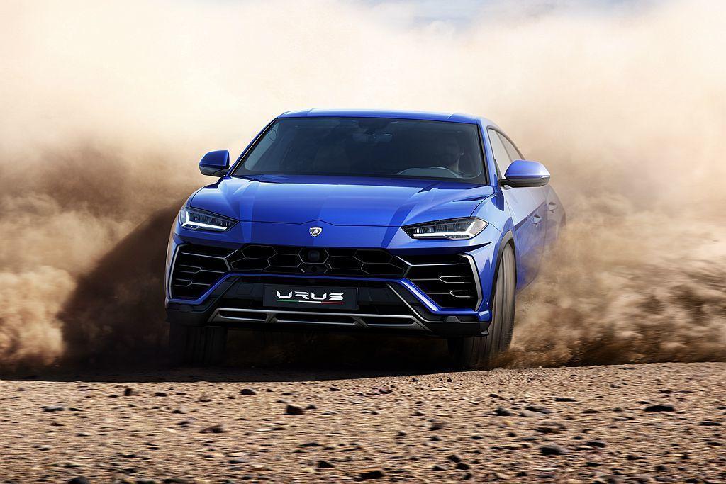 Lamborghini Urus結合豪華SUV的舒適性能與超級跑車強勁的動態特性...
