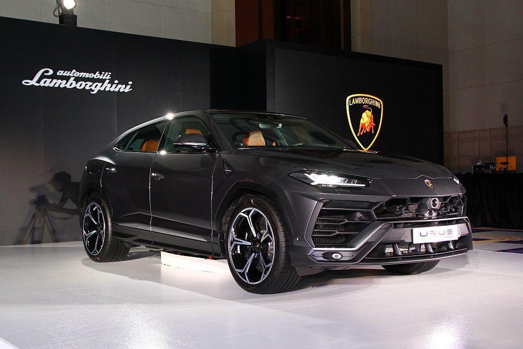 全球話題高性能休旅車Lamborghini Urus繼年初率先導入原廠巡迴車提供VIP客戶預賞後,終於在7月20日正式在台發表。 記者張振群/攝影