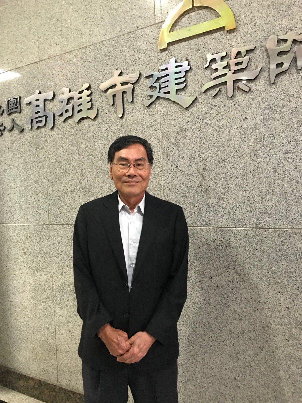 高雄市建築師公會理事長鄭純茂。 張傑/攝影