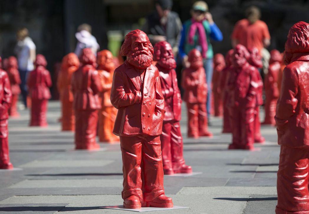 特里爾市民一下子無法接受中國送的巨大馬克思雕像,比起來他們可能更喜歡2013年(...