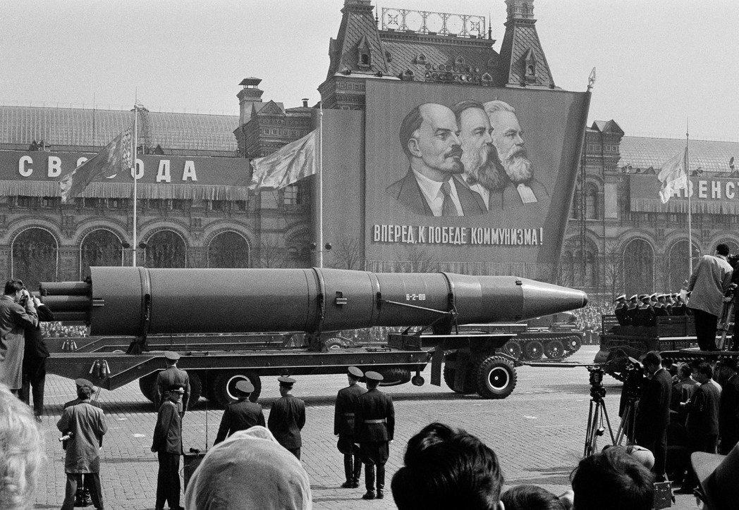 大部分的德國人沒看過《共產黨宣言》或《資本論》,更不用說馬克思其他作品。他們所認...