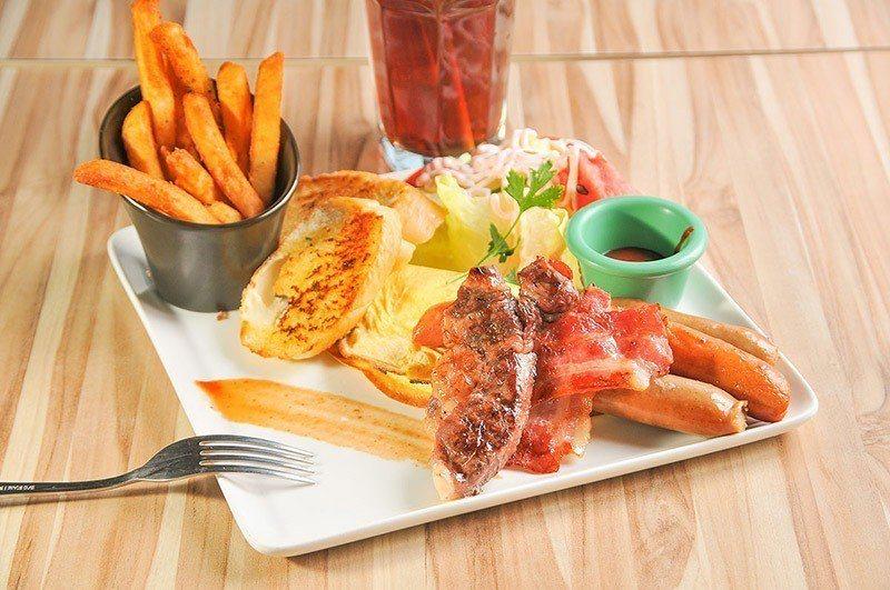 肉食族早餐總匯是份量很足的早午餐。