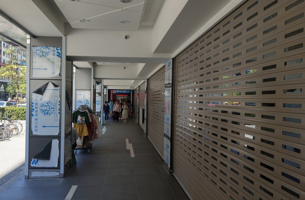 東區店面租金過高,讓很多業者望之卻步,不少店面仍在待租當中。中央社