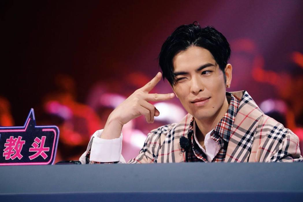 出道10年的蕭敬騰擁有高人氣。圖/摘自臉書