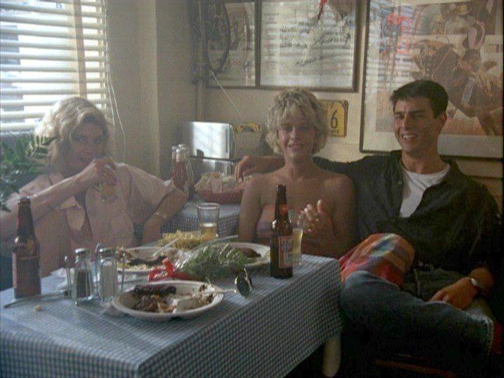 湯姆克魯斯(左起)、梅格萊恩、凱莉麥姬莉絲合演「捍衛戰士」,續集中兩位女星可能都...