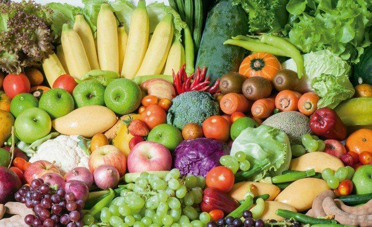 蔬果中含維生素A(β胡蘿蔔素和視黃醇)、維生素C、維生素E、硒、鋅和植化素。