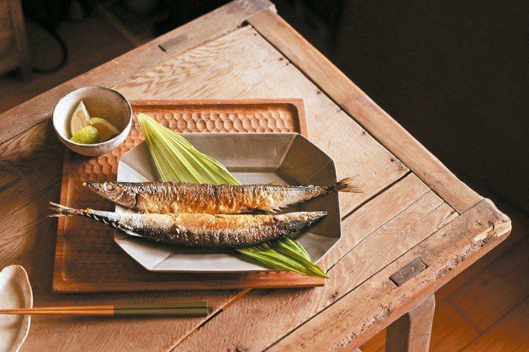 烤秋刀魚。 圖/摘自合作社出版《秋刀魚一條半》─盧怡安著