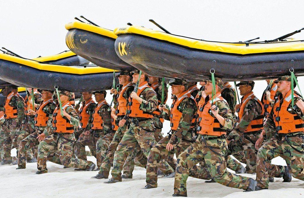 海豹部隊訓練。 美聯社