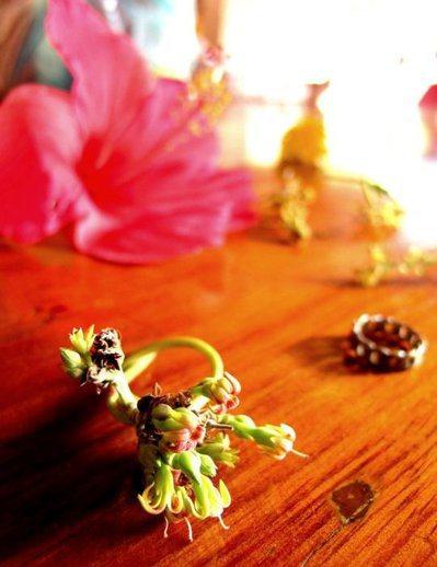孩子送給小維的花戒指。圖/張維提供