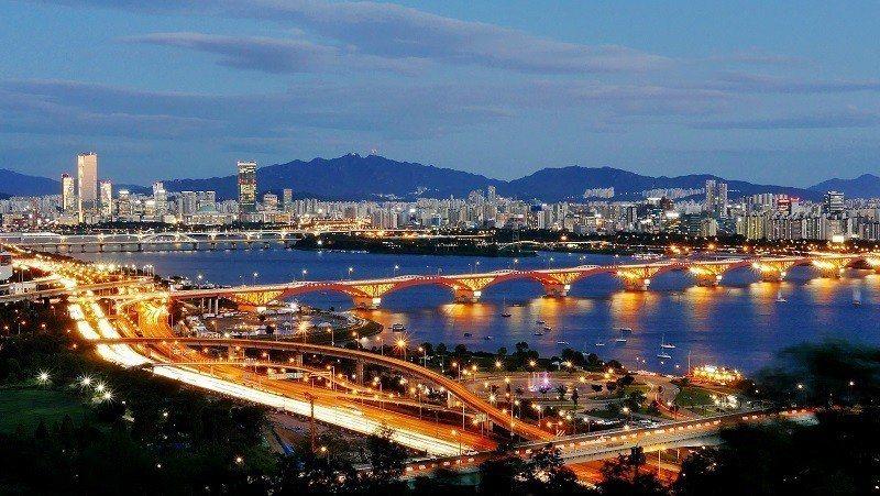 ▲首爾夜景-天空公園。(圖/攝影者:travel oriented, Flick...