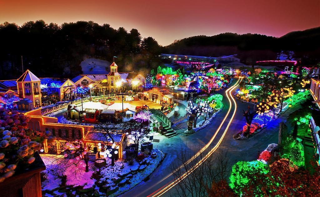 ▲首爾夜景-香草島樂園。(圖/Tripbaa趣吧!亞洲自由行專家)