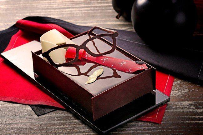 「Oh~PAPA」咖啡巧克力蛋糕售價1,200元,7月31日前訂購享95折優惠。...