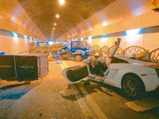台北市自強隧道本月7日發生重大車禍,造成2死3傷,台北市政府希望爭取明年在自強隧...