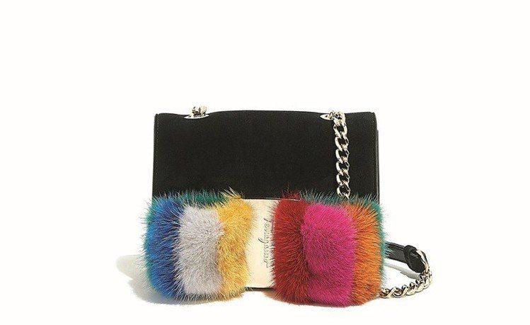 VARA彩色山羊皮與水貂毛肩背包,47,900元。圖/Ferragamo提供