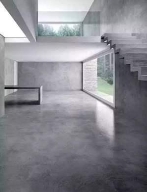 居家空間的地坪,讓您赤腳踏在地,彼此都能感覺呼吸感,相互承受舒適感。 圖/德貿司...