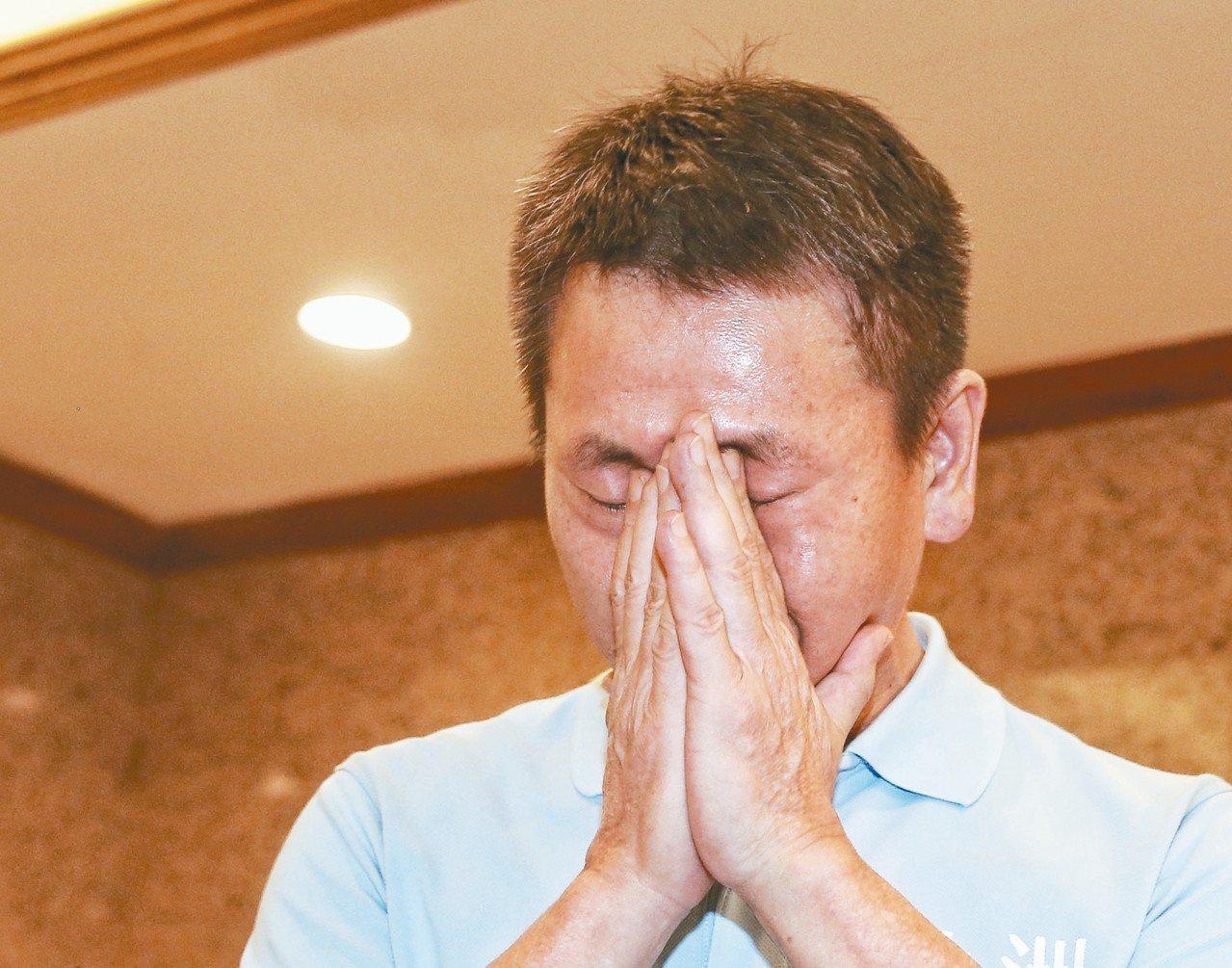 「委屈的代價求不了全」,國民黨立委林為洲今天表示,8月民調一公布,將脫黨參選新竹...