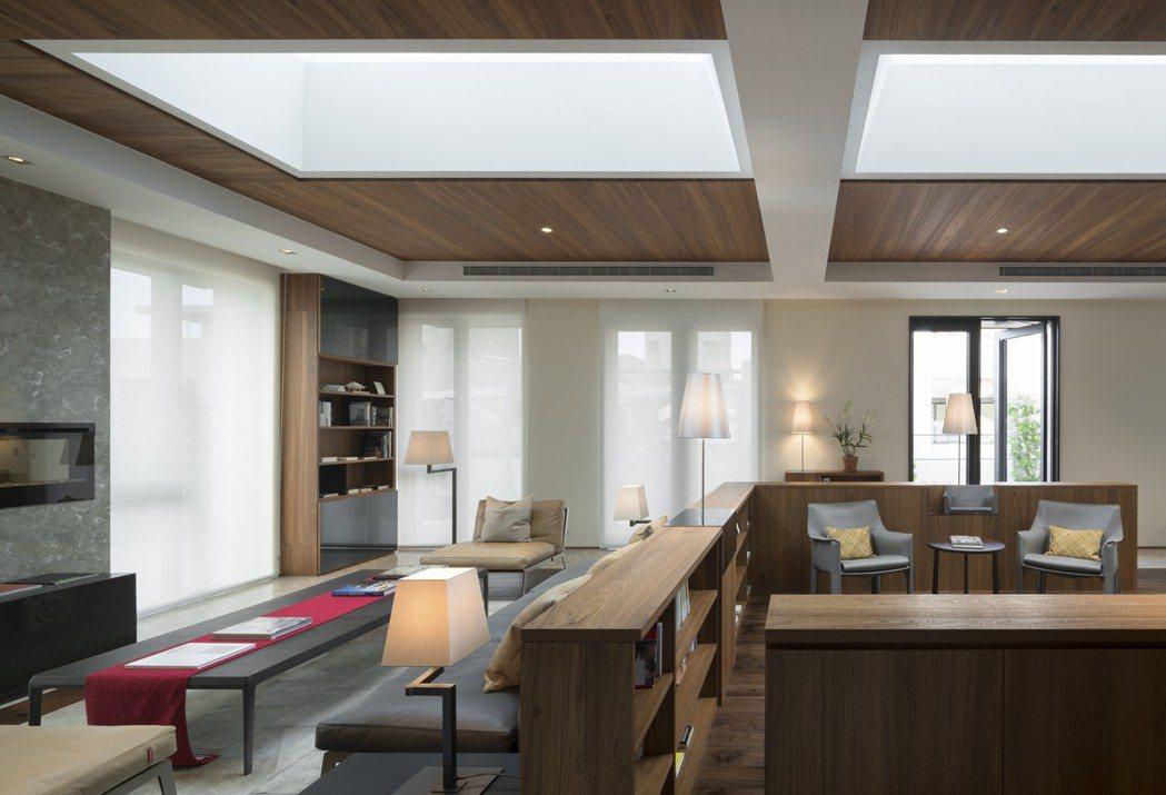 天空書院巧妙地運用天窗引入自然光線,別名「方冊」。 圖/福樺建設提供