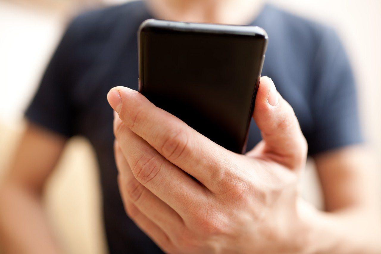 研究報告顯示最保值的手機為iPhoneX。示意圖/ingimage