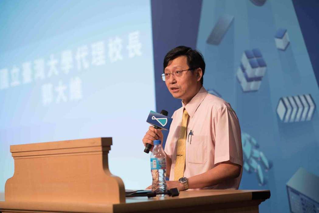 台大代理校長郭大維表示,台大創創將是企業未來積極尋求投資、合作機會的創新智庫。 ...