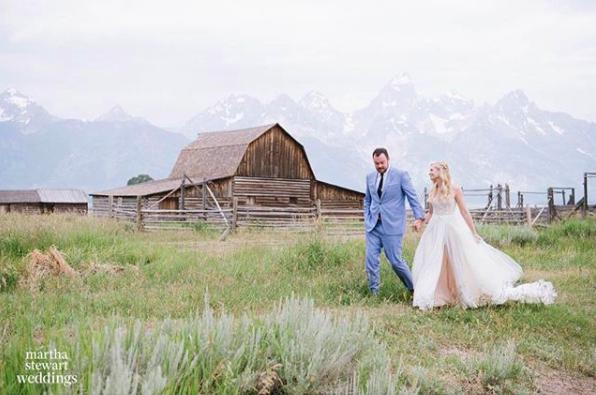 貝絲貝爾斯結婚了。圖/摘自Beth Behrs IG